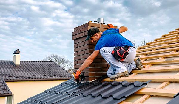 Ремонт и замена покрытия скатных крыш в Харькове